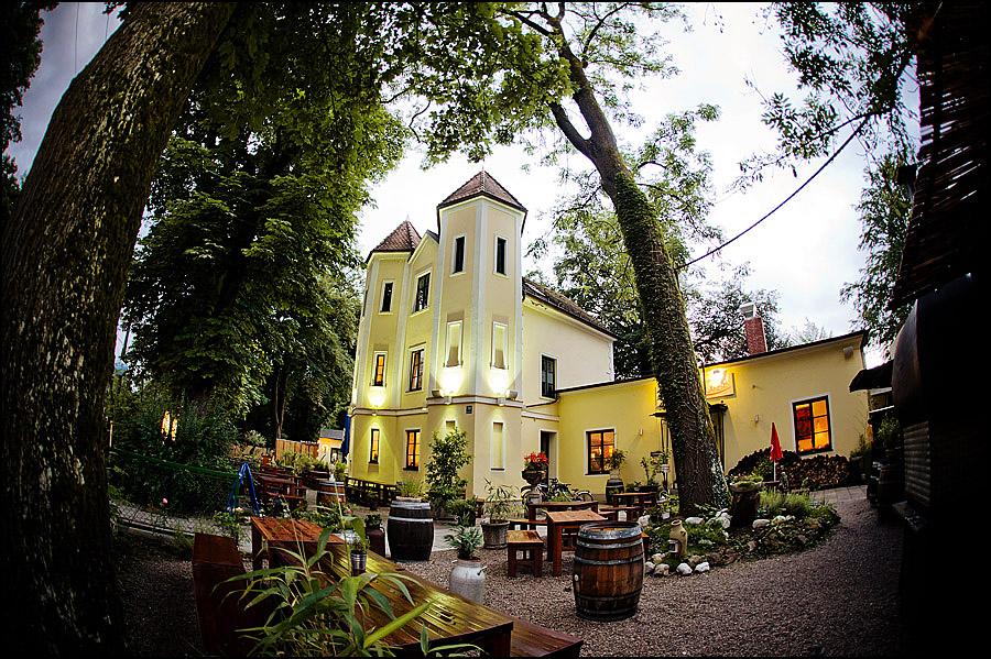 Michaela & Alexander  Hochzeitsfoto München  Villa Floßlände ...